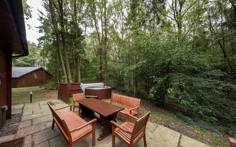 Outside dining and hot tub in Shropshire